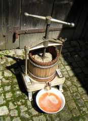 Pressing Apple Juice