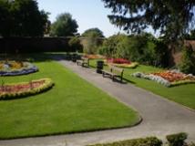 Stevens-Park-Wollescote-Gardens-Sept